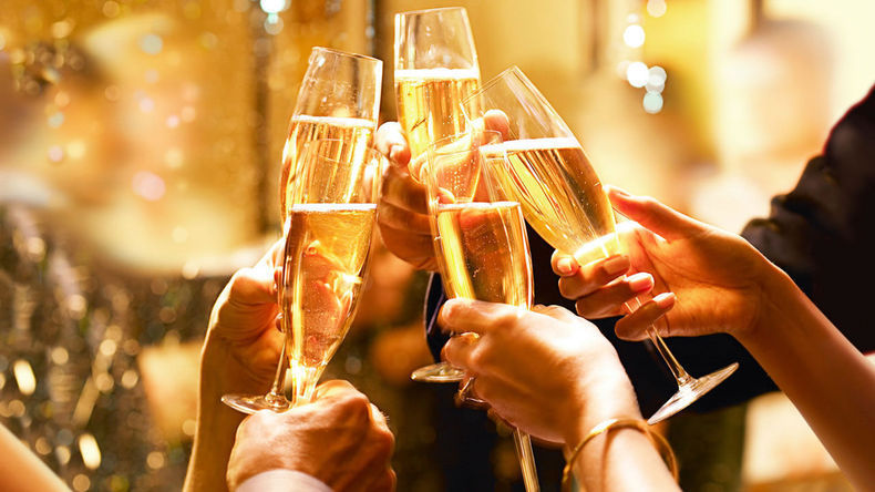 s3_xHyatt-Champagne-Toast-Thumbnail.jpg.pagespeed.ic_.9HvfW6K4qp